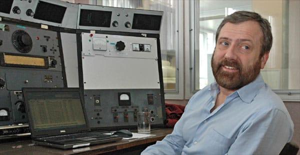 Neil Sanderson ZL1NZ running the Twitter stream from ZL1ZLD Musick Point Radio